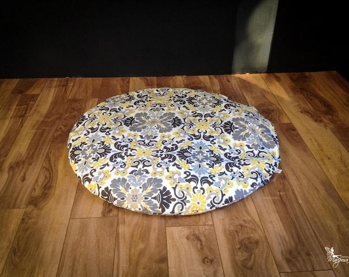 Round Zabuton Meditation mat floor cushion Winter Mandala organic Buckwheat mattress yoga pillow handmade by Creations Mariposa