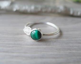 Malachite Ring, Sterling Silver, Malachite Vine Ring, Vine Ring, Emerald Green, Vine Stacking Ring, Modern, Natural Stone, Green Malachite