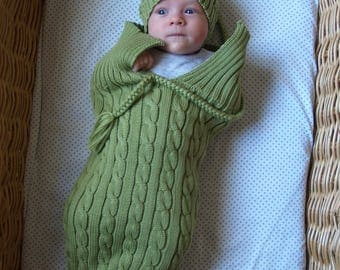 Handmade Green Newborn Cocoon,Baby Cocoon with brided hat, Cable Knit Newborn Sack and Hat Set, Merino wool. More colors available