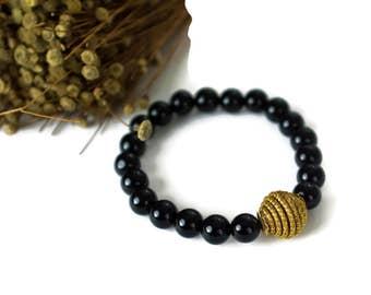 Beaded Bracelet,  Black Onyx, Golden Grass bracelet, Stackable Bracelet, Onyx Bracelet, Black onyx beads, fiber jewelry, golden grass Brazil