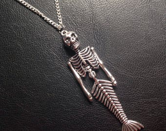 Movable mermaid skeleton necklace