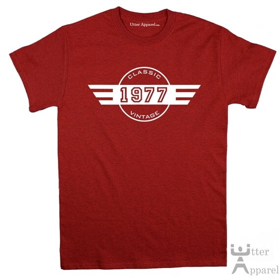 40th Birthday T-Shirt 40th Birthday Gift for Him Classic Vintage 1977 Born In 1977 Turning 40 Years Old Present for 40 Year Old