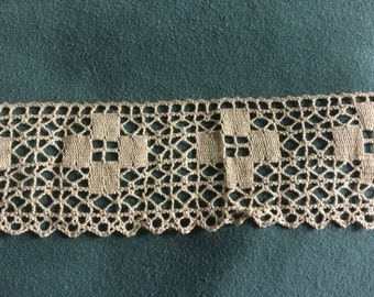 3+ yds Antique filet lace trim hand crocheted vintage off white tan