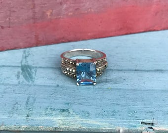 Size 7.75  Sterling Silver Blue Topaz Ring 6.1g