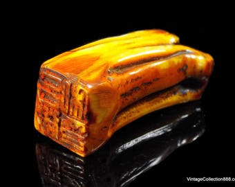 Old or vintage Chinese seal carved on animal tooth, probably from ox -  toothseal