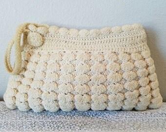 1940's Ivory Crochet Wristlet / Clutch Purse