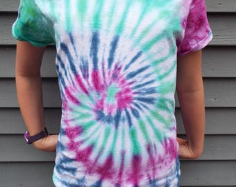 Ladies Tie Dye Shirt, Ladies M TieDye in Boho Colors, Ladies Cut Shirt, Hippie Women, Boho Tshirt, Ladies Tee, Hippie Clothes, Gifts for her
