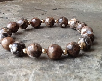 Turritella Agate with Gold Beads Stretch Bracelet