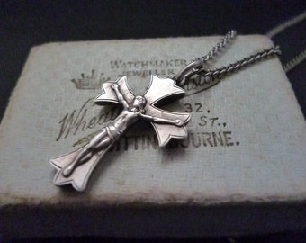 "A superb vintage silver crucifix pendant necklace - 925 - sterling silver - 24"" necklace - Pendant 1.1"" x 0.7"""