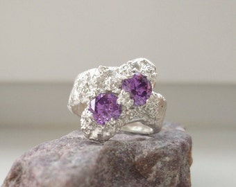 Twins Stone in violet to love! Love is in the details :-)