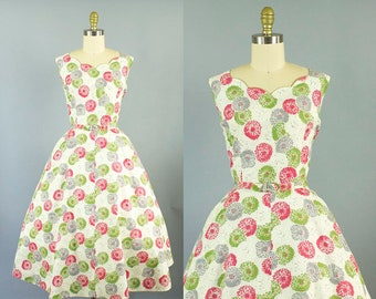 1950s dandelion floral sundress/ 50s scalloped detail cotton dress/ large