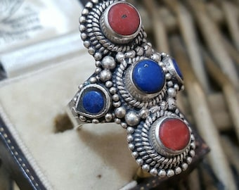Vintage 925 sterling silver ring, large ethnic frame,lapis lazuli & coral,size q