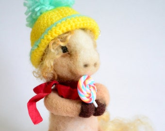 Felted Pony, SALE, Wool Pony sculpture, Nedle Felted Pony, Felted Miniature, Pony with candy, Felt sculpture, ECO. Felted horse, wool felt