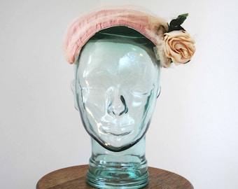 1950s Pink Rose Half Hat/ 50s Pink Half Hat with Tulle/ 50s Floral Fascinator/ Summer Wedding Hat/ Garden Party Fascinator/ Size OS