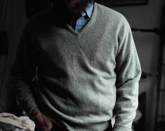 Green Pullover Sweater | V-Neck | Medium | USA