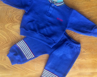 Babys vintage tracksuit. Child / toddler sweater & trousers. 1980s 1990s. Blue, red and green. Age 6 months - 12 months