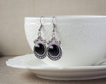 Black stone earrings - Onyx earrings - Antique silver earrings - Dangle earrings - Round earrings - Victorian earrings - Victorian jewelry