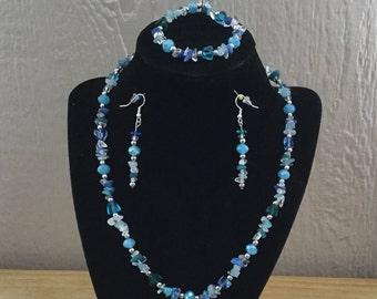 41: Necklace, Bracelet, Earrings Set