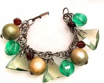 Vintage 1940s Chunky Fruit n Nugget Bracelet 40s Charm Bracelet Green Transparent Lucite Chain Dangle Bracelet Retro so Carmen Miranda