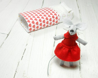 Stocking stuffer best friend red felt heart plush gift daughter kids felt mouse in a matchbox red birthday miniature mouse small animal