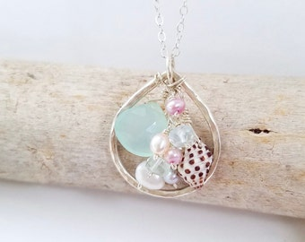 Shell necklace made in Hawaii by Tidepools Jewelry - Beachy shell jewelry, Hawaiian shell necklace, beach jewellery, dainty beach jewelry