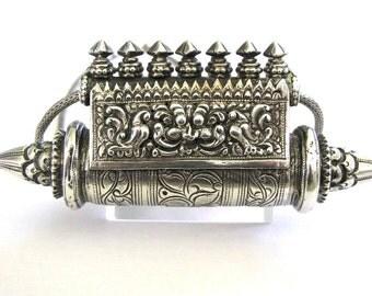 "Antique South Indian Prayer Box, Taweez, Taviz , Karnataka, RARE, Ethnic Tribal, 12.5cm  (4 3/4""), 106.2 Grams, 56cm (22""), 3mm, Snake Chain"
