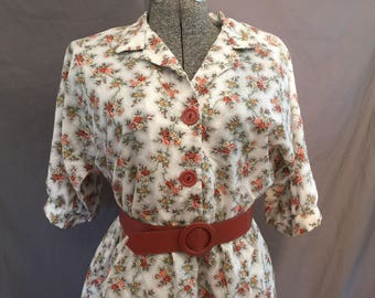 Plus Size Vintage: Shirtwaist Floral Dress with Belt