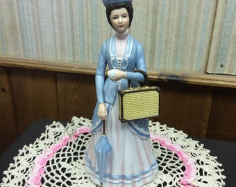 Vintage 1979 Avon Mrs. Albee Award Statue