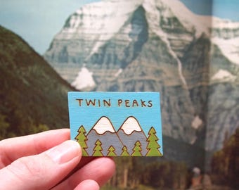 Luxury hand painted Twin Peaks Pin Badge in a gift box. Laser cut from hand drawn illustration. Pop culture Lapel Pin, Cool, Unisex gift