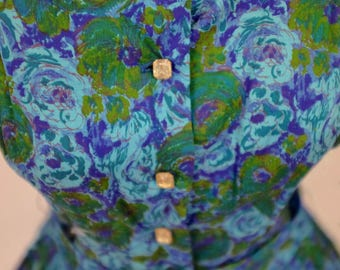 The Gwendolyn: 1950's vintage floral print blue green purple crystal buttons 3 quarter sleeve mad men dress small
