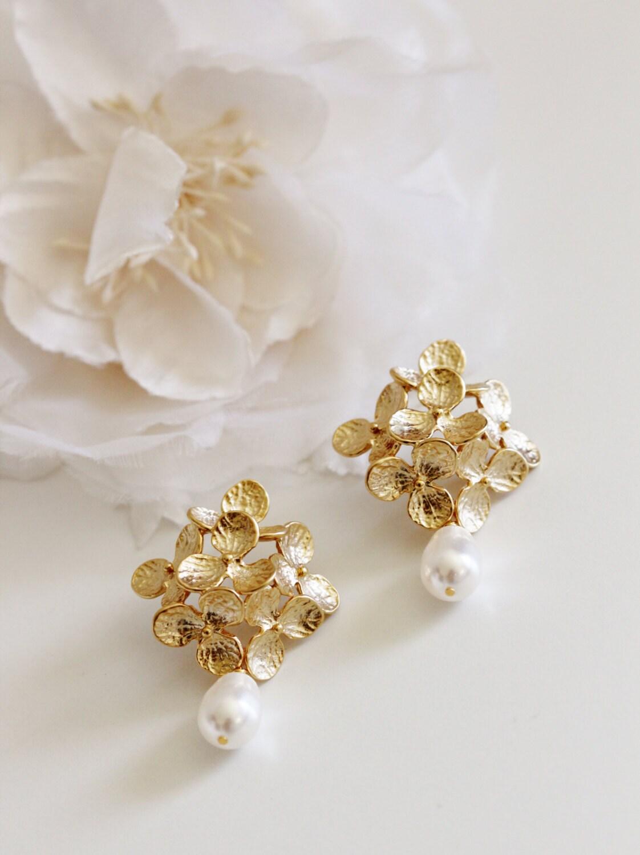 Gold Bridal Earrings Vintage Style Romantic Wedding Pearl Earrings Hydrangea Flower Earrings Large Statement Earrings Gold Wedding Jewelry
