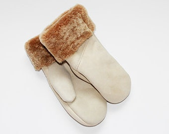 Cream sheepskin mittens
