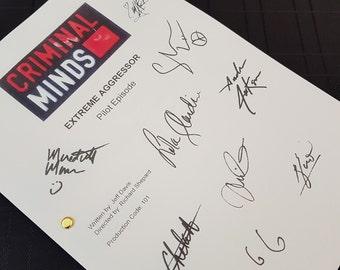 Criminal Minds TV Show Pilot Script with Signatures / Autographs Reprint Unique Gift Christmas Xmas Present Film Movie Fan Geek Shemar Moore