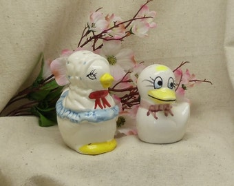 Vintage White Mama and Baby Duck Ceramic Salt and Pepper Shakers,#VB7212