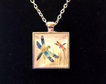 Dragonflies square glass pendant necklace (ACSq7-D3)