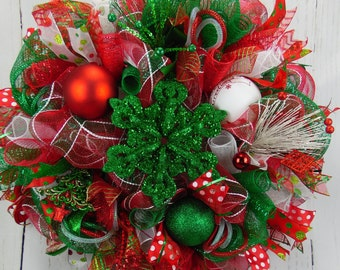 Snowflake Wreath, Red and Green Snowflake Wreath, Red Green White Christmas Wreath, Holiday Wreath, Red Green White Christmas, Door Decor