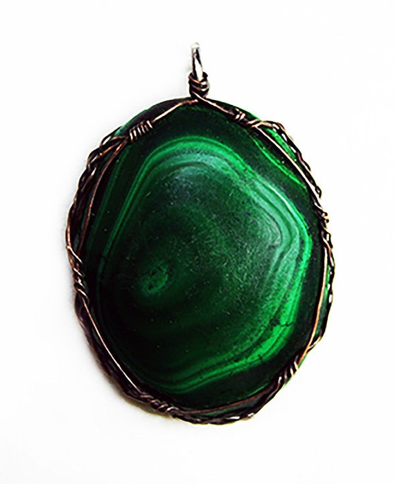 Malachite cabochon with Celtic wirework
