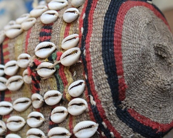 African Sisal raffia pouch bag .Cowrie shell decoration. Wallet / purse. vintage tribal African Touareg Bedouin. Unique Gift. Ethnic Touareg