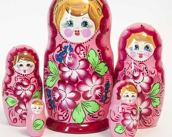 Nesting dolls Pions on Pink. Russian matryoshka doll with flowers - kod543p