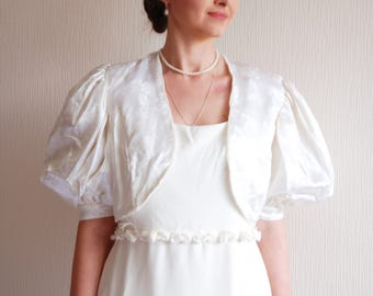 Vintage 70s Wedding White Jacket / bridesmaid Floral Bolero Wedding shrug / crop ttexture jacket Blazer Wedding  Bishop Sleeve Boho wedding