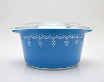 Vintage Pyrex Small Blue Casserole Dish with Lid, Snowflake Garland 473,  1 Quart Baking Dish, 1960s-1970s