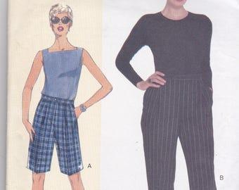 Vogue 7027 Vintage Pattern Womens Pants and Shorts  Size A,B,C  Waist 26.5-30.5 UNCUT