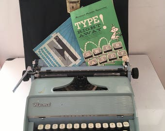 Remington Early-1960s Fleetwing Portable Manual Typewriter