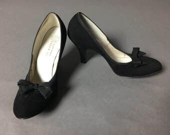 SALE SALE SALE Vintage 50s heels / Deadstock / Nos / vintage shoes / vintage bow heels / studded heels / size 8 / vintage black heels