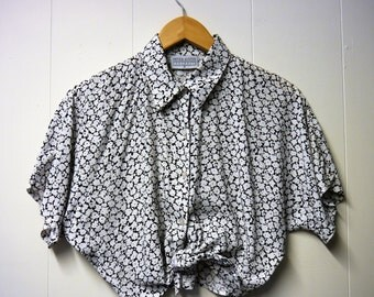 80's 90's Cropped Floral Blouse with front tie