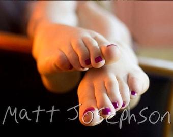 Scrunched Feet 6x9 Matte Print