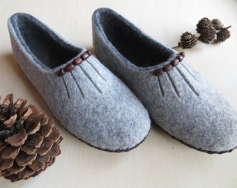 Felted slippers, wool slippers, home shoes, wool clogs, soft slippers, ECO friendly, Valentine day gift, handmade slippers, WoolDreamer