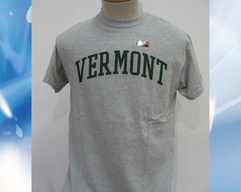 Vermont Arch T-Shirt // Vermont Shirt // VT shirt // Vermont Clothing // Vermont Clothes // UVM Arch Tee // Forest on Sport Grey //