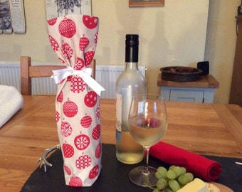 Wine bottle bag in Christmas bauble fabric, Wine Bag, Booze bag