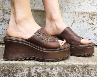 MOVING SALE Vintage 90s Adesso Brown Faux Leather Braided Chunky Platform Slip On Wedge Sandals 6.5